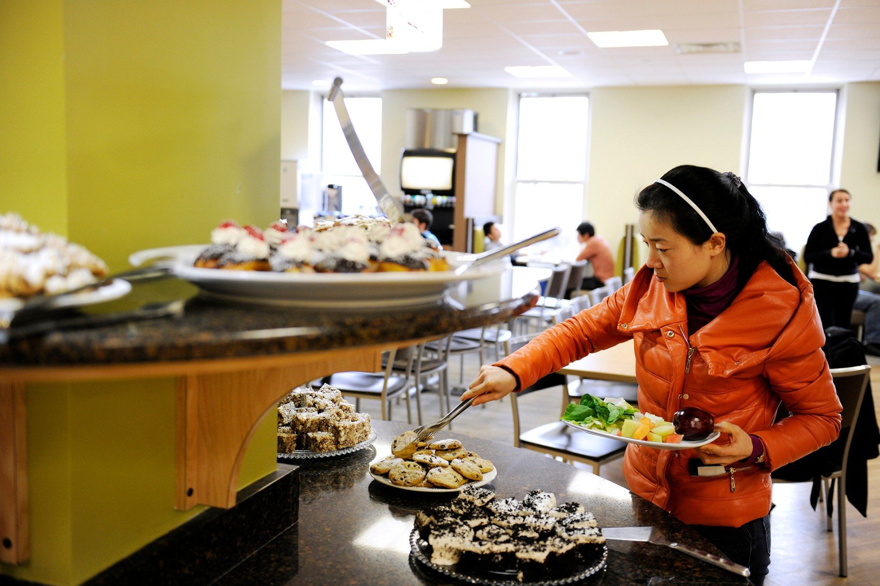 essay about why student do not like to eat at dining hall The improvements to the food or the surroundings don't need to as the kids enter the dining hall that the dining room does not smell like.